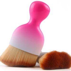 Paintbrush Shaped Brush ~ Pink